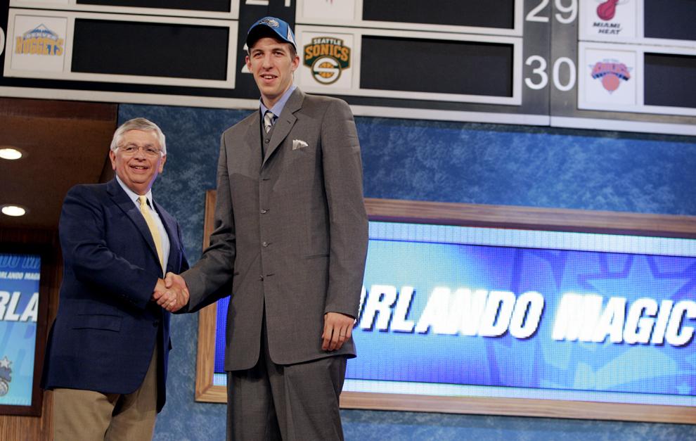 Fran Vazquez es elegido en 11º lugar en el draft de 2005