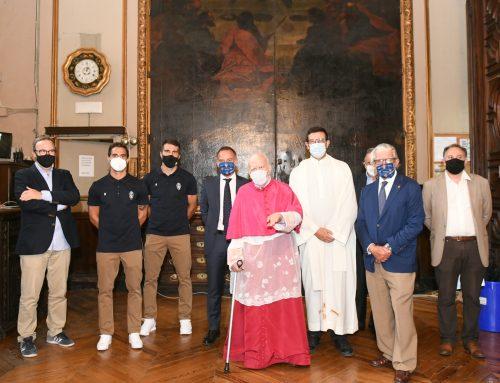 El Real Zaragoza realiza la habitual ofrenda a la Virgen del Pilar antes de comenzar la temporada